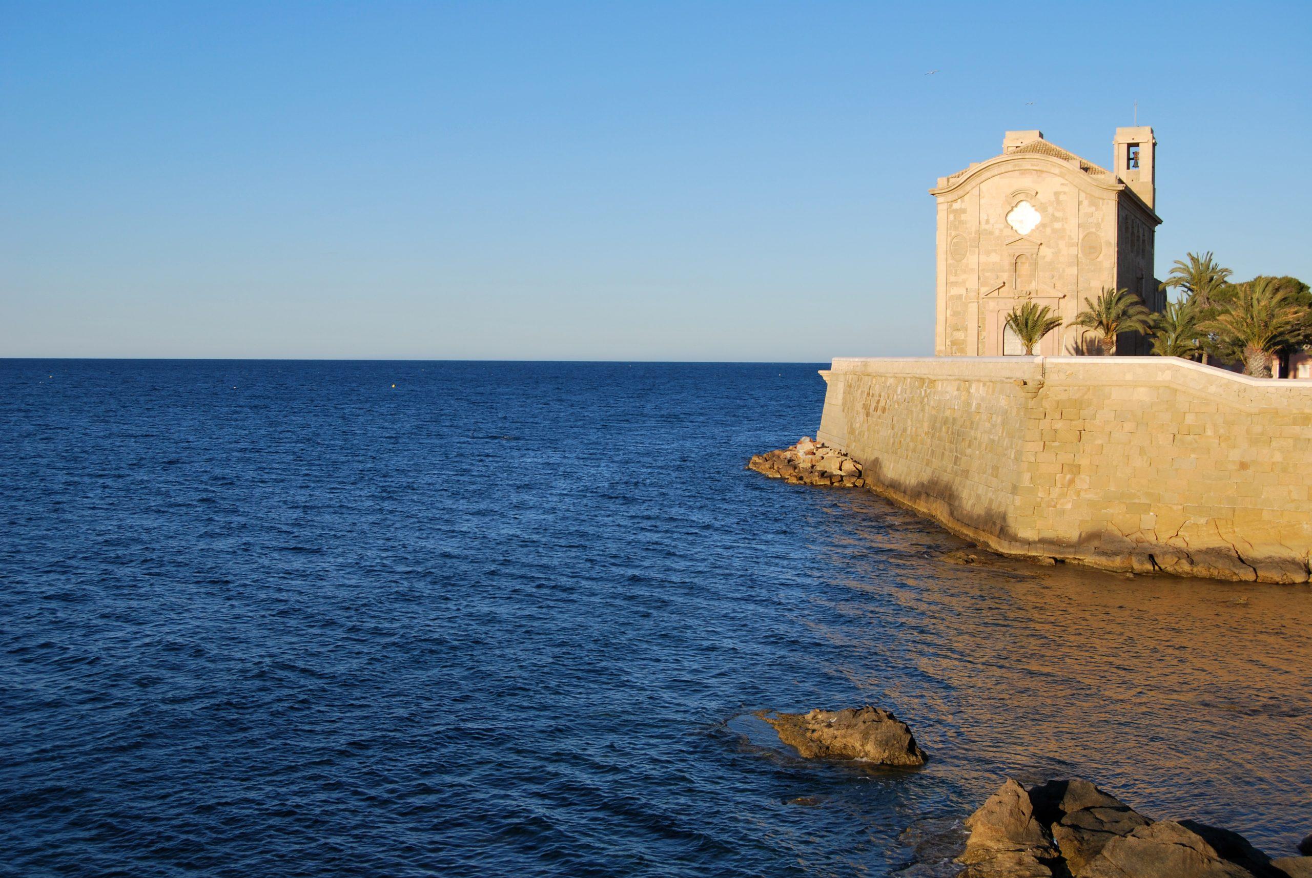 ¿por qué isla tabarca es un paraíso para los amantes del buceo?